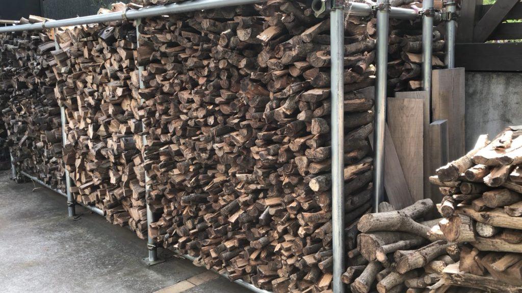 薪棚屋根なし-2